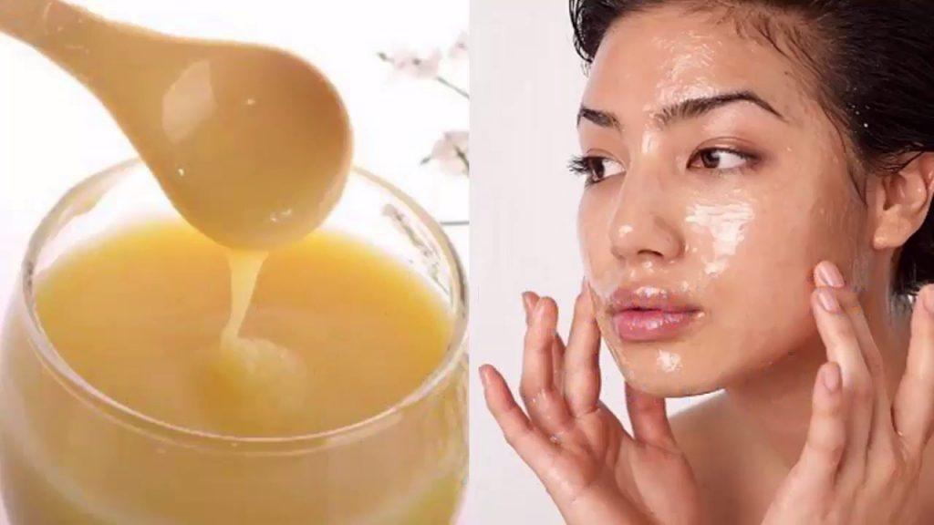 Sữa ong chúa sử dụng sau khi nặn mụn đầu đen giúp bạn nhanh chóng có một làn da trắng mịn màng