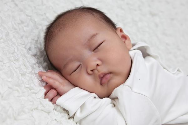 chữa khò khè cho trẻ sơ sinh